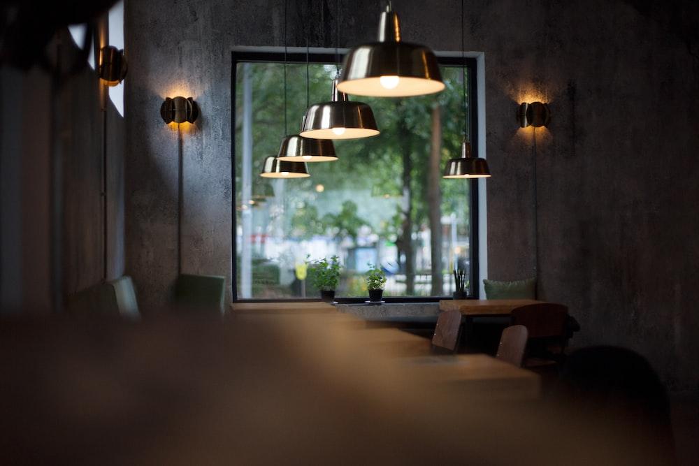 hanged pendant lamps