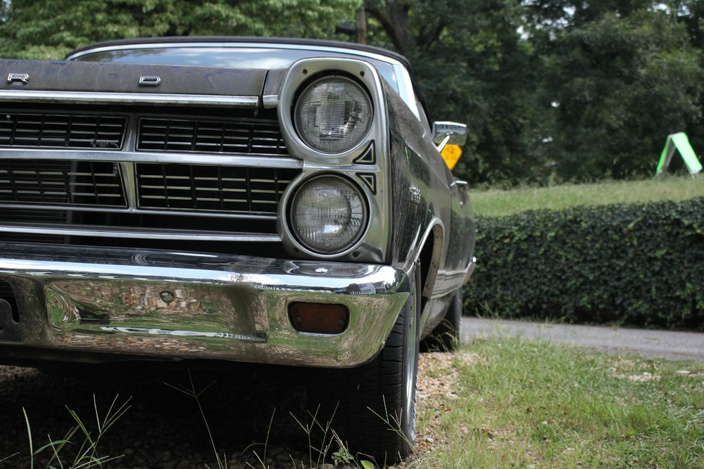 close-up photo of black vehicle