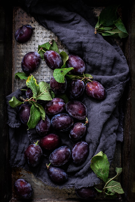 violet grapes
