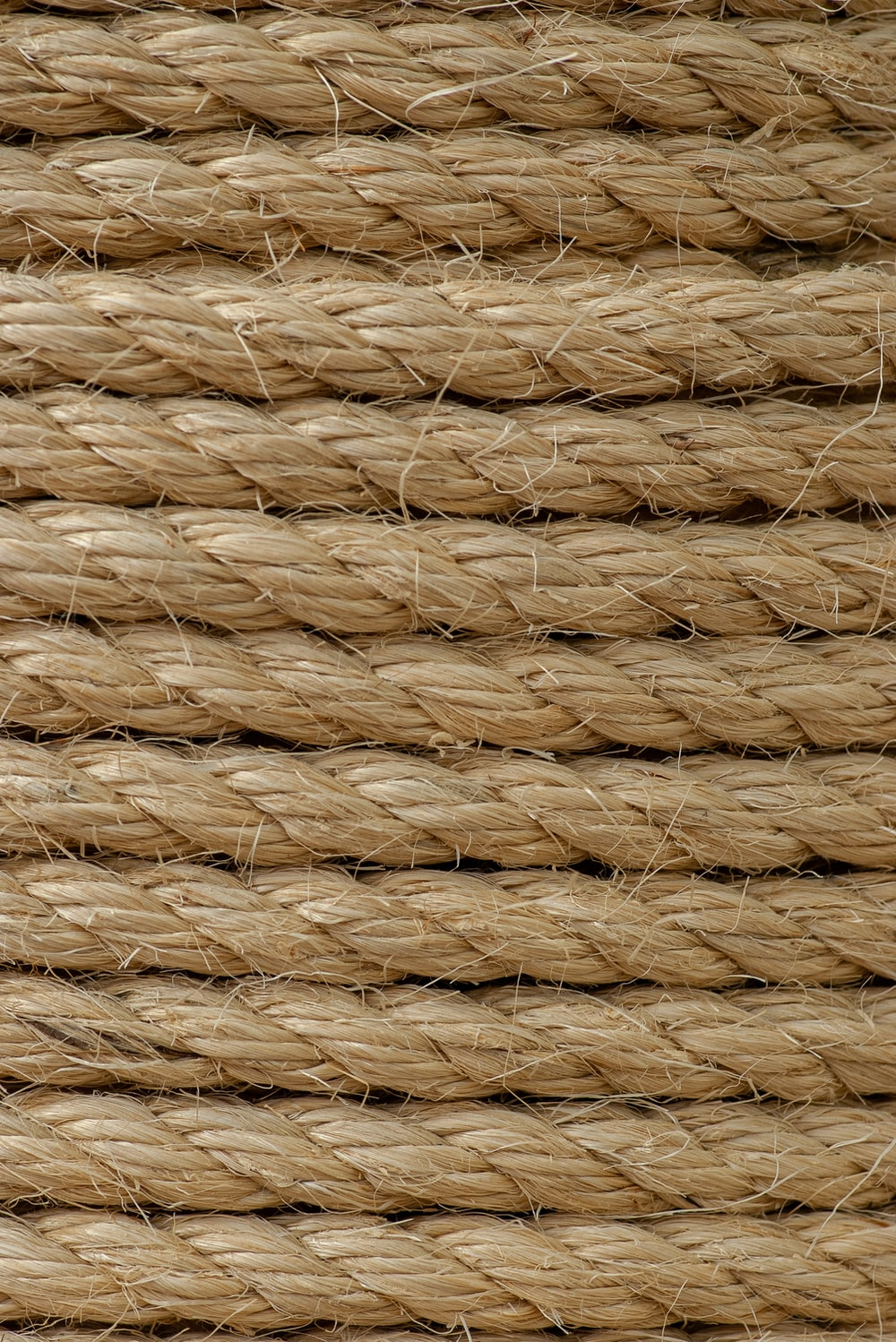brown rope close-up photography