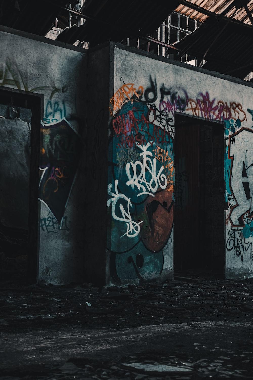 gray and blue graffiti