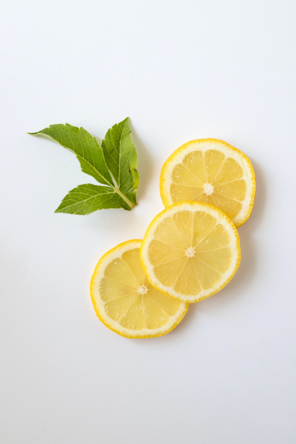 slice of lemon for hand mask