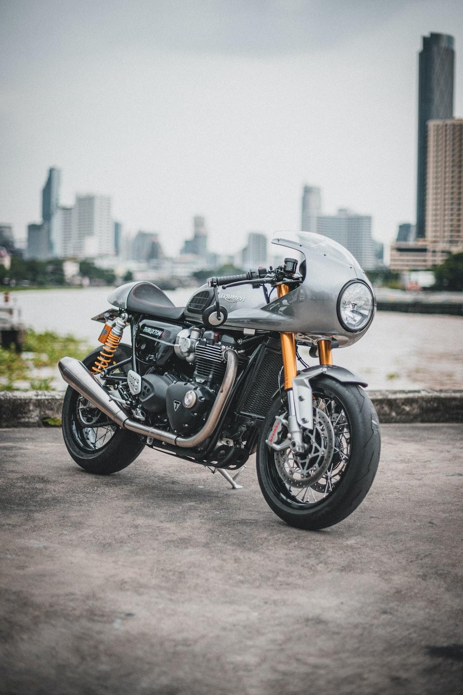 grey cruiser motorcycle