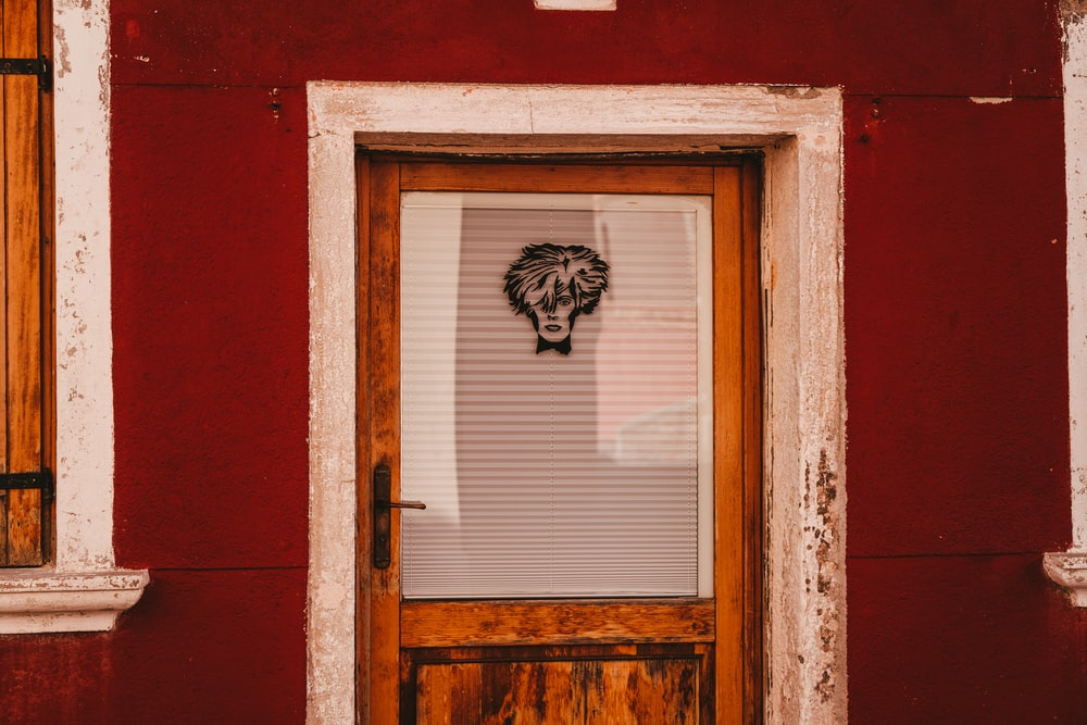 closed half-lite door