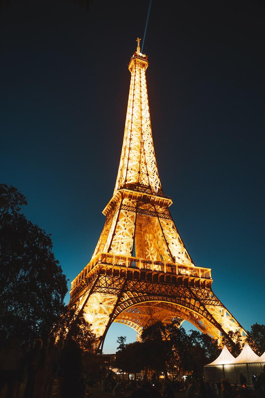 Eiffel Tower at night photo – Free Tower Image on Unsplash