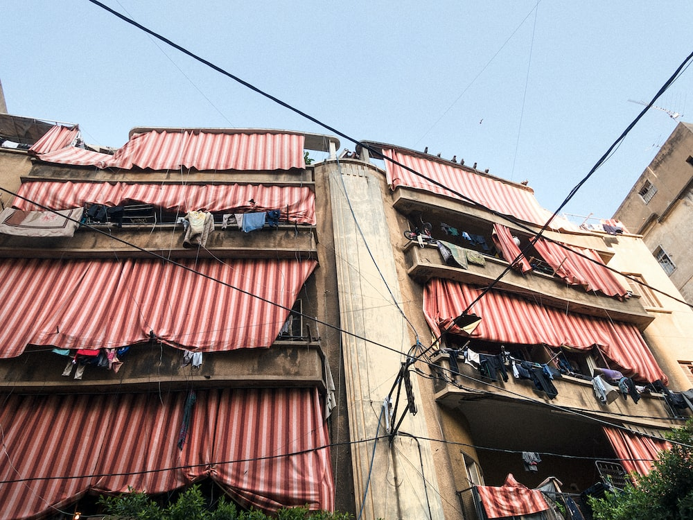 building with hung clothes