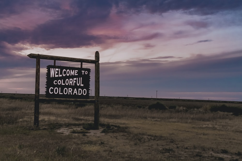 welcome to colorful colorado signage