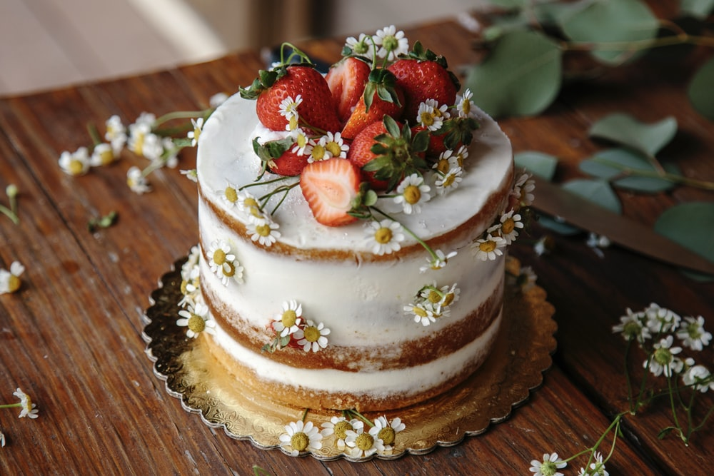 baked strawberry cake