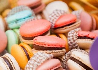 assorted-color macarons