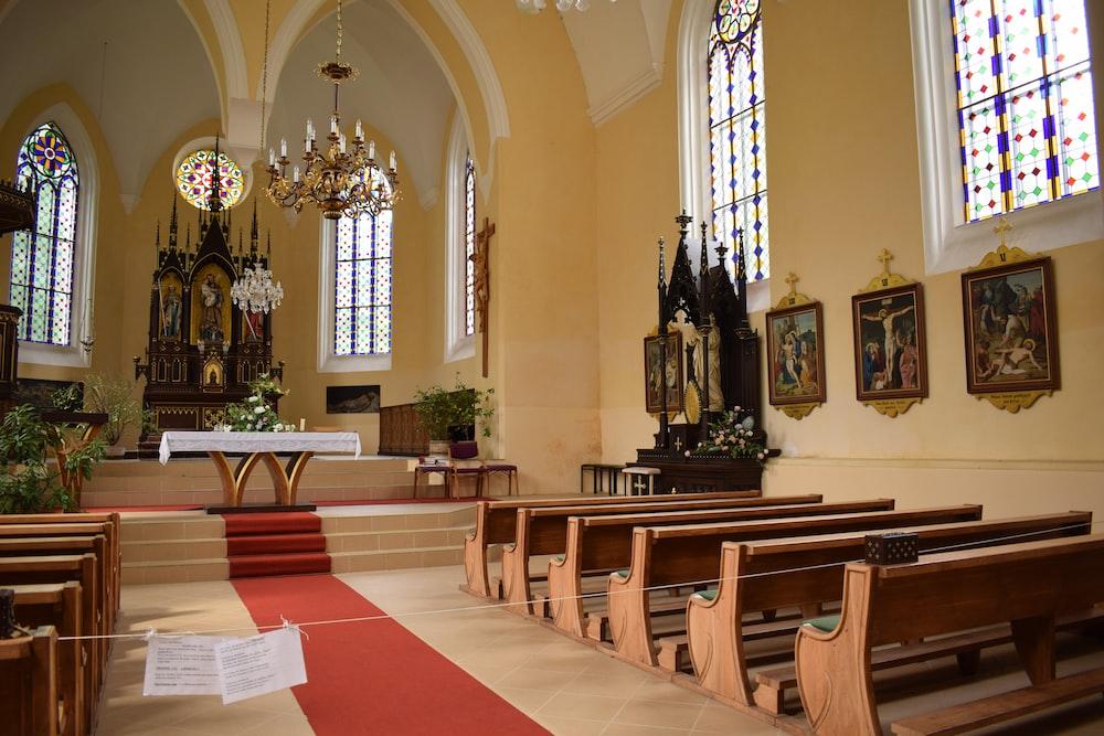 empty church seats
