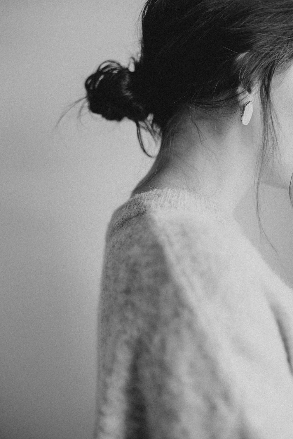 tied haired woman wearing top photo – Free Neck Image on Unsplash