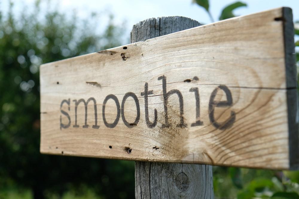 smoothie signage during daytime photo