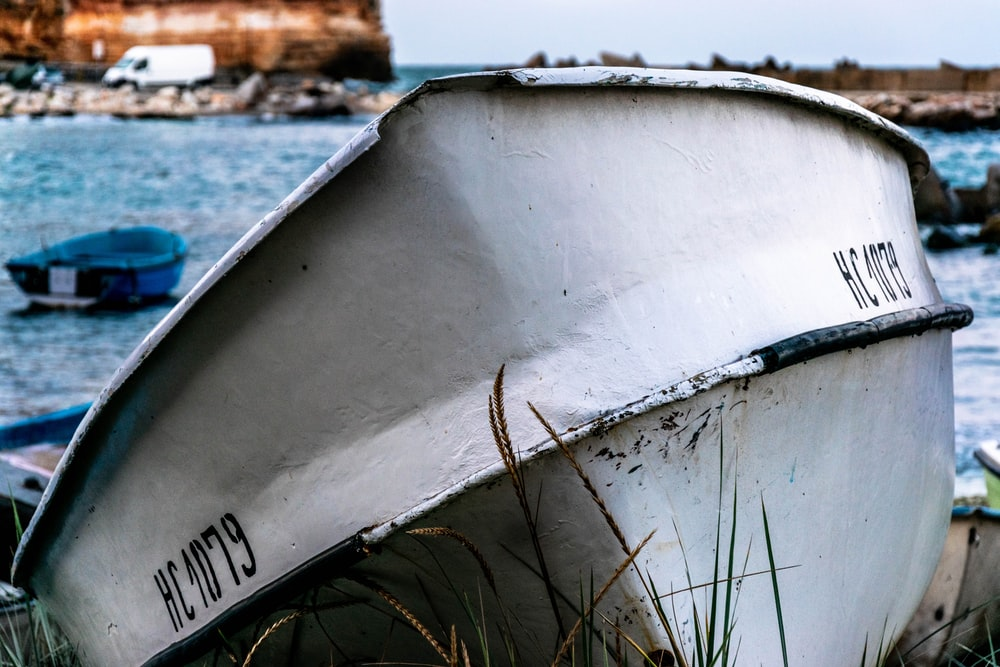 white boat in close-up photography