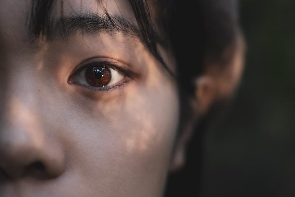 woman brown and black eye