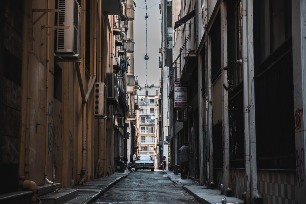 architectural photography of alleyway