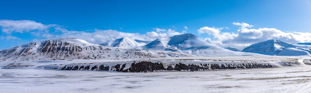 landscape photography of a snow-covered mountain