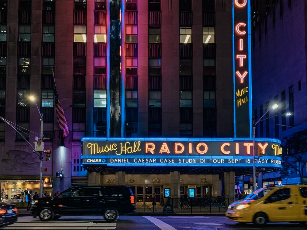 Music Hall Radio City signage