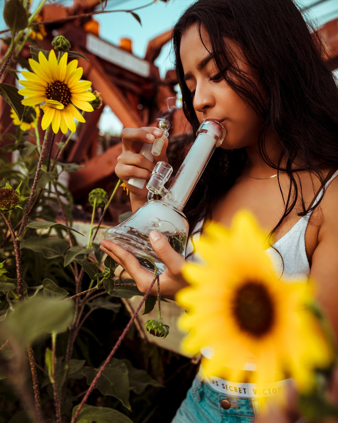 Grav Bell Base Water Pipe and Flowers