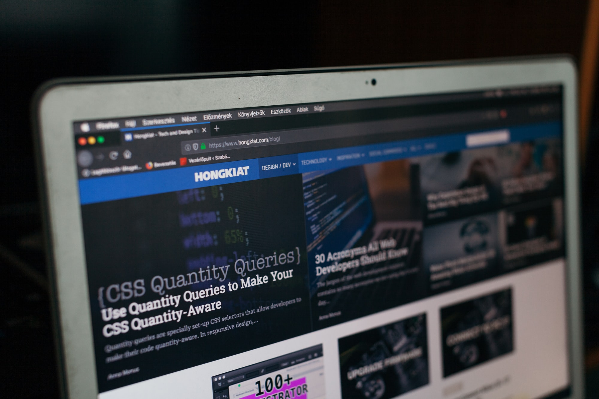 Hongkiat design blog  Print: http://bit.ly/32ds7QL Behance: http://behance.net/szaboviktor Blog: https://blog.szaboviktor.com  Support: https://www.paypal.me/szaboviktor  My presets: https://bit.ly/2TyvzRK