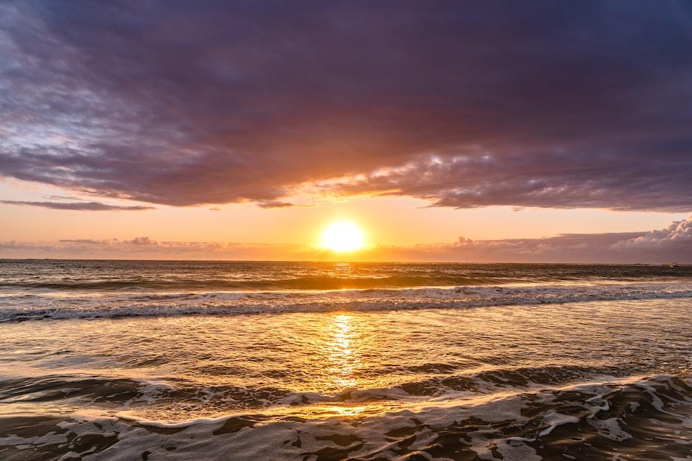 sea waves during sunrise