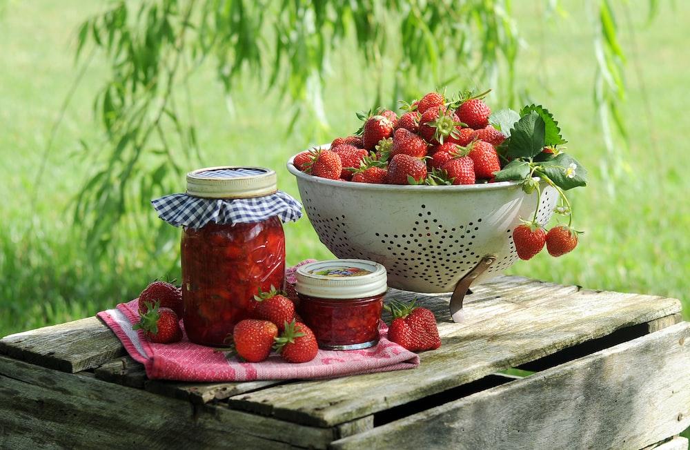 strawberries in bowl