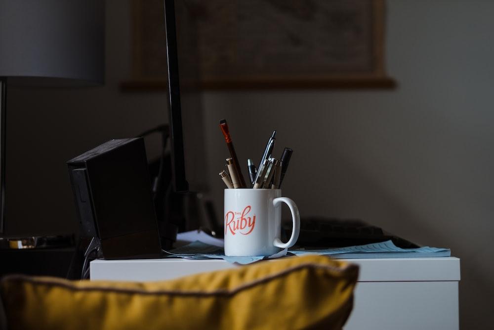 markers in mug