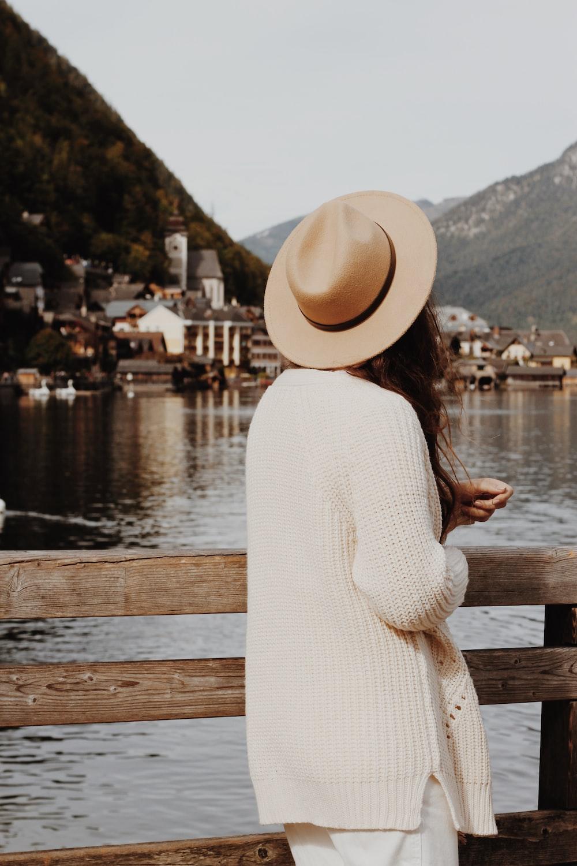 women's beige knit jacket