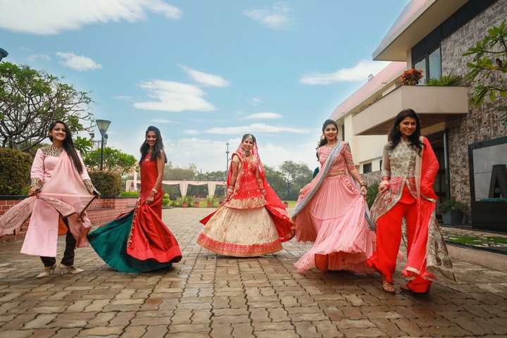 6 Different Indian Clothing Styles For Women
