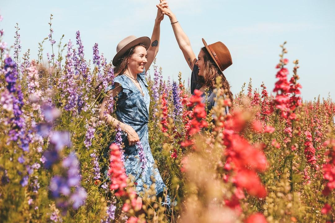 Friends & Flora