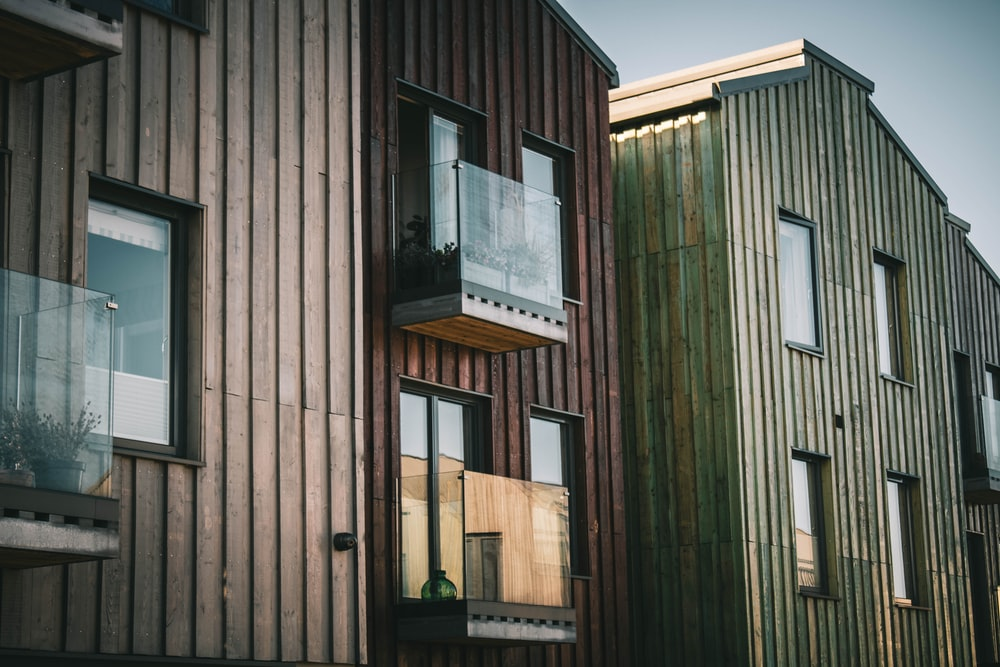 gray and brown wooden houses