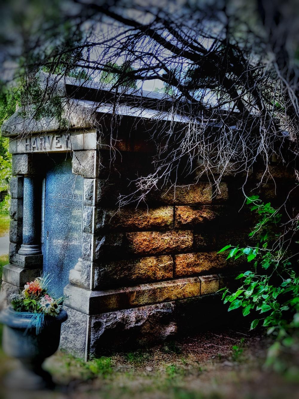 brown brick Harvey grave stone