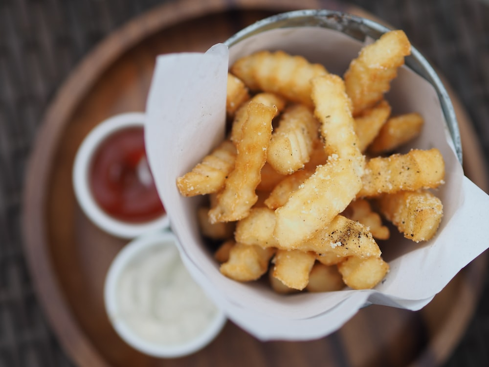 curly fries with ketchup