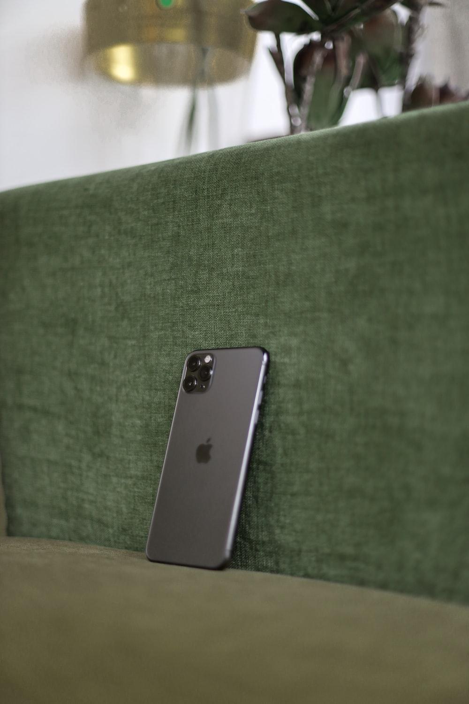 iPhone on greens ofa
