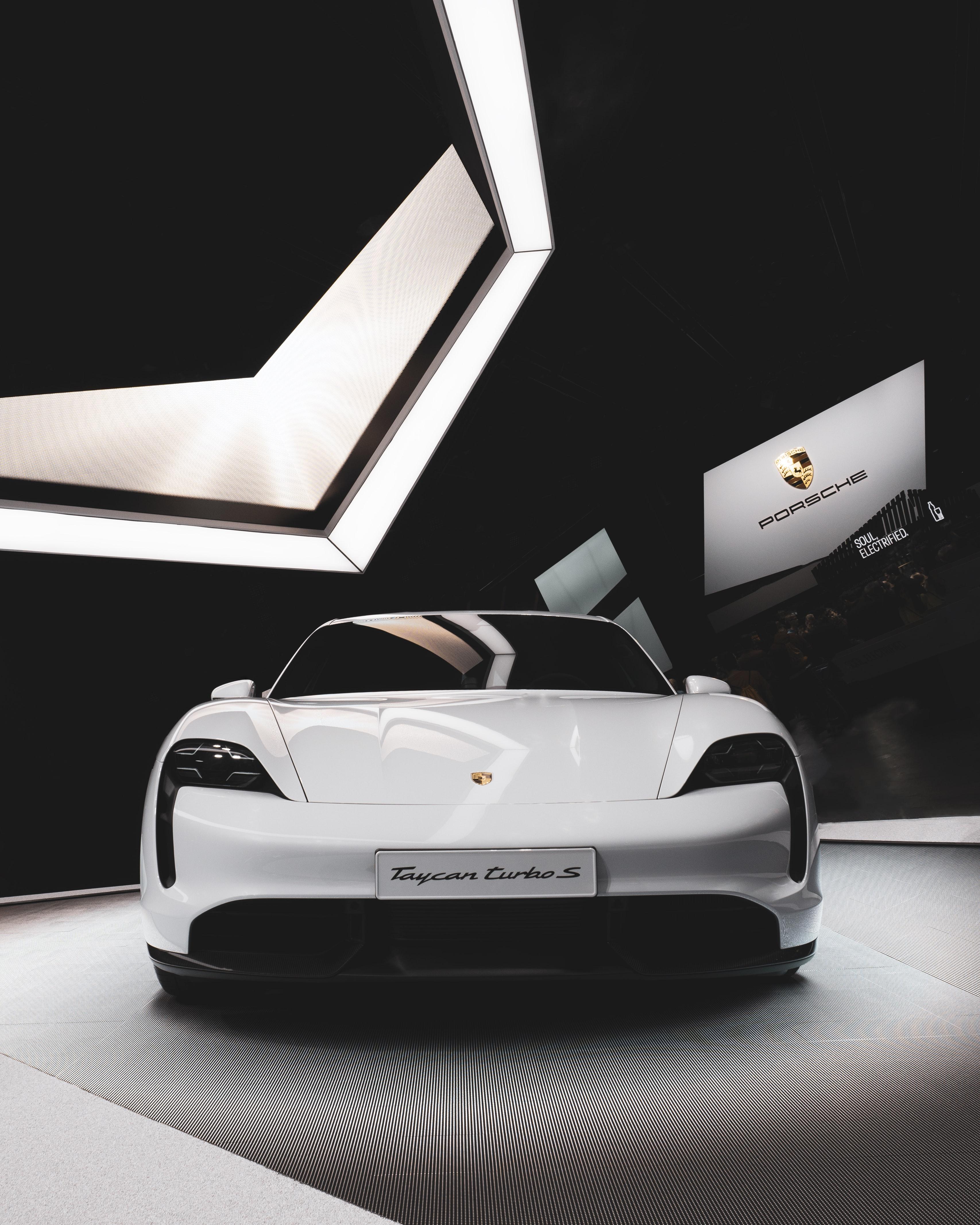 350 Hq Porsche Pictures Download Free Images Stock Photos On Unsplash