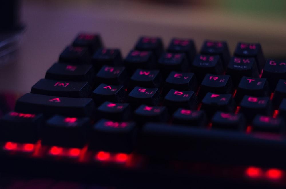 black and red mechanical keyboard