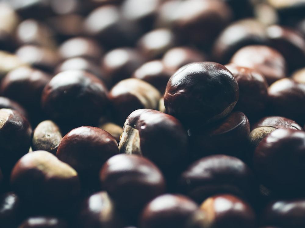 bunch of brown peanut