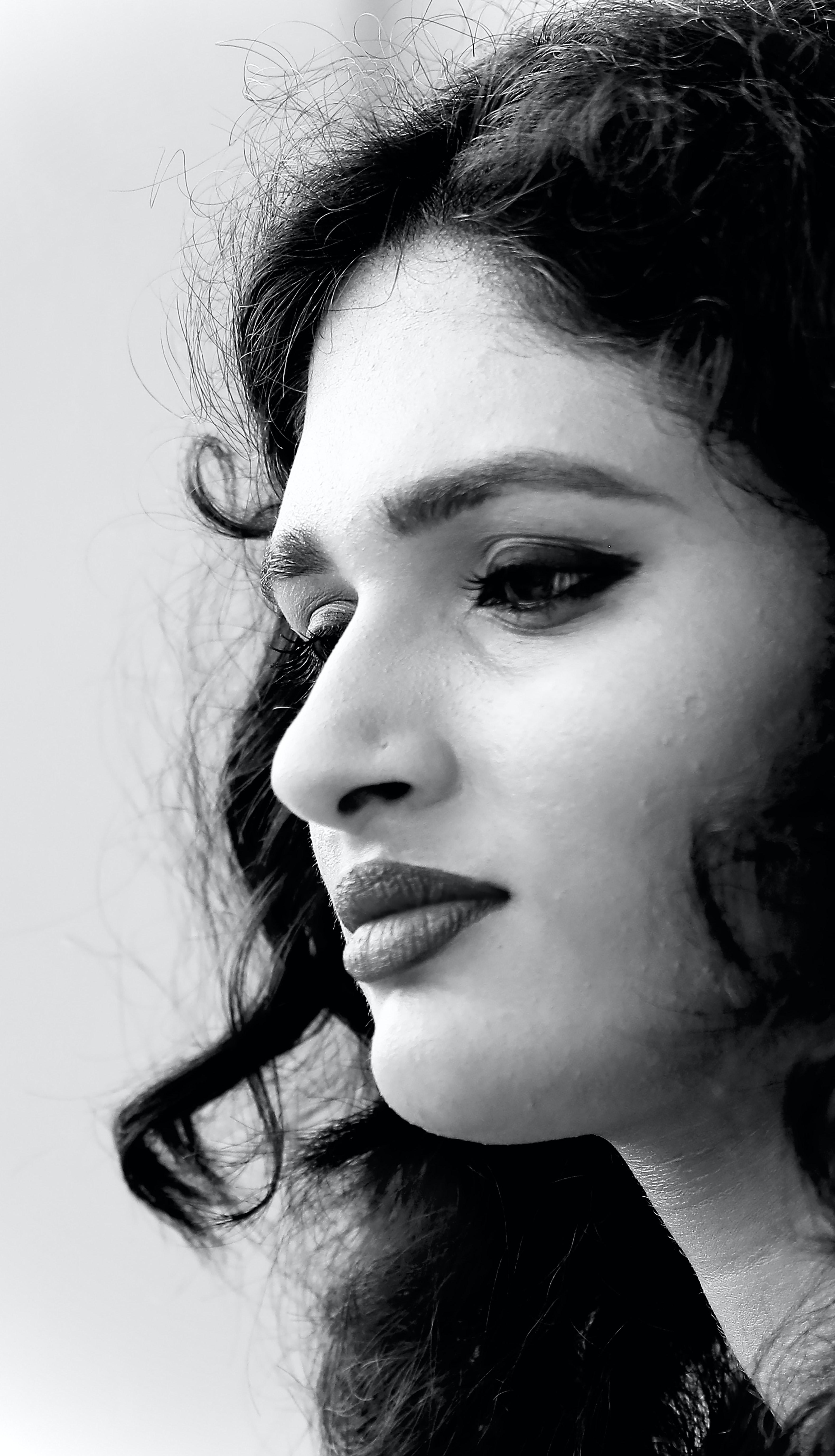 Greyscale Photography Of Woman Photo Free Face Image On Unsplash