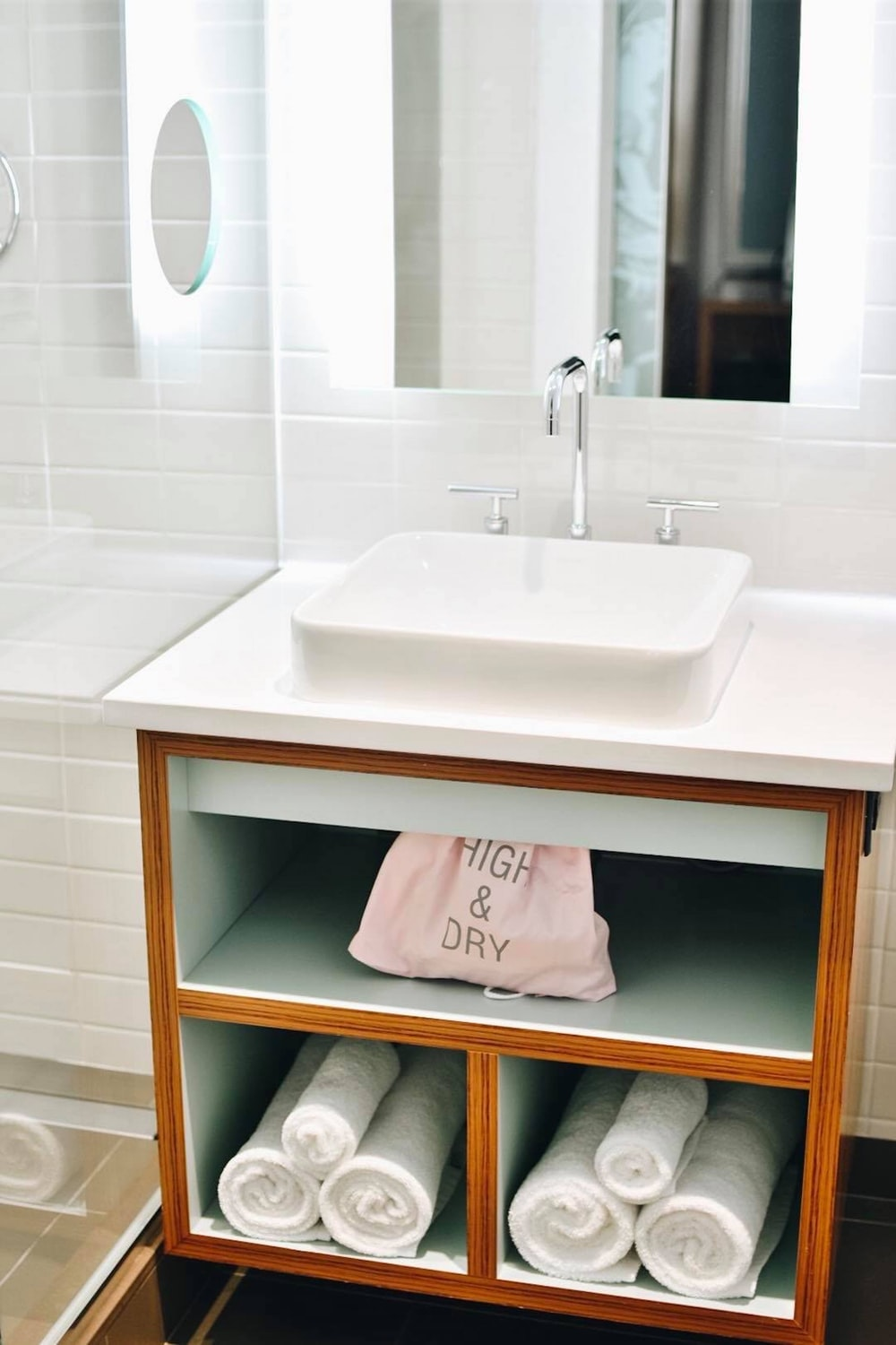 Easy Ways To Refresh Your Bathroom Space