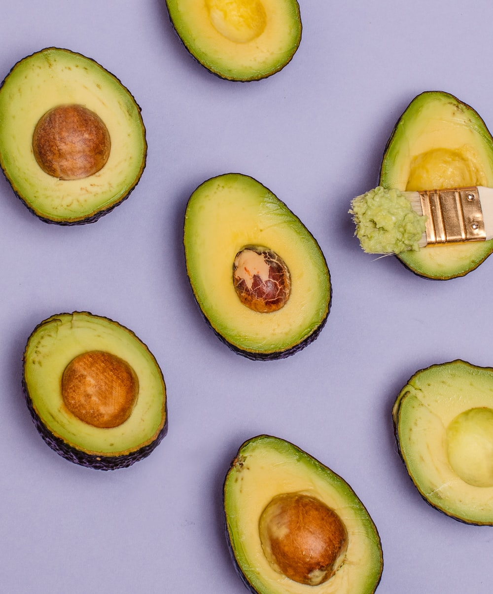 sliced avocadoes