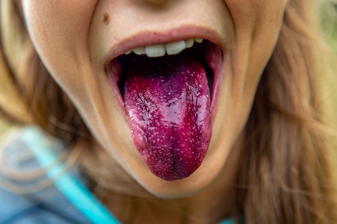 Blue Berry Tongue Kid girl