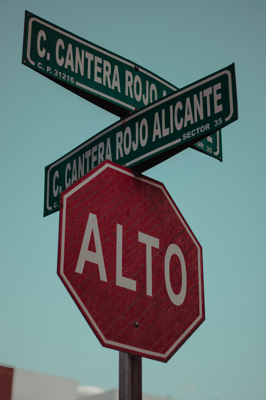 alto road signage
