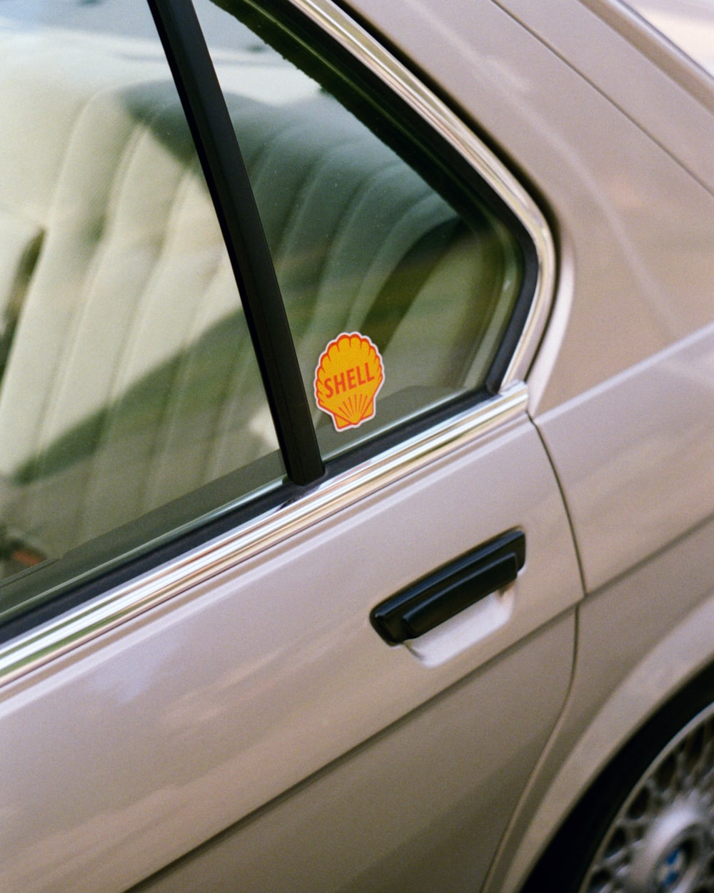 Shell decay sticker