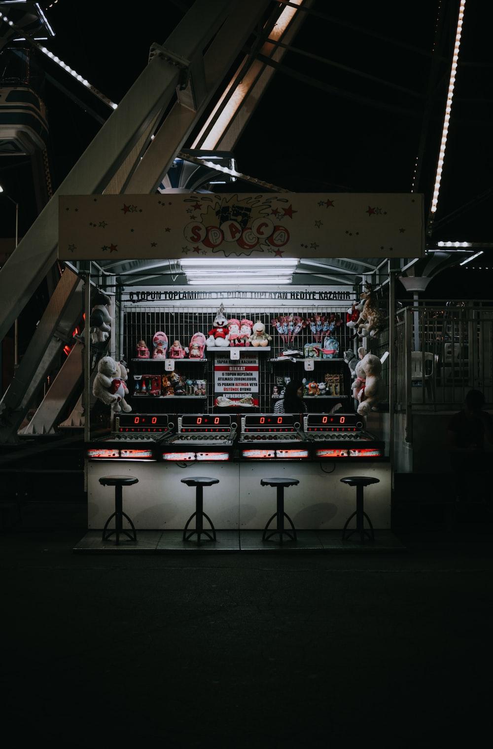carnival store near metal panel