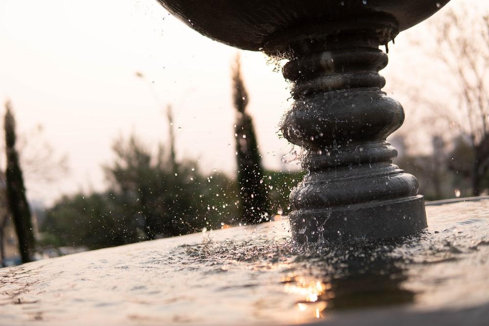 gray concrete fountain