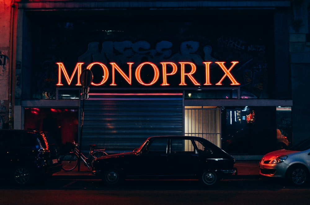 Monoprix signage