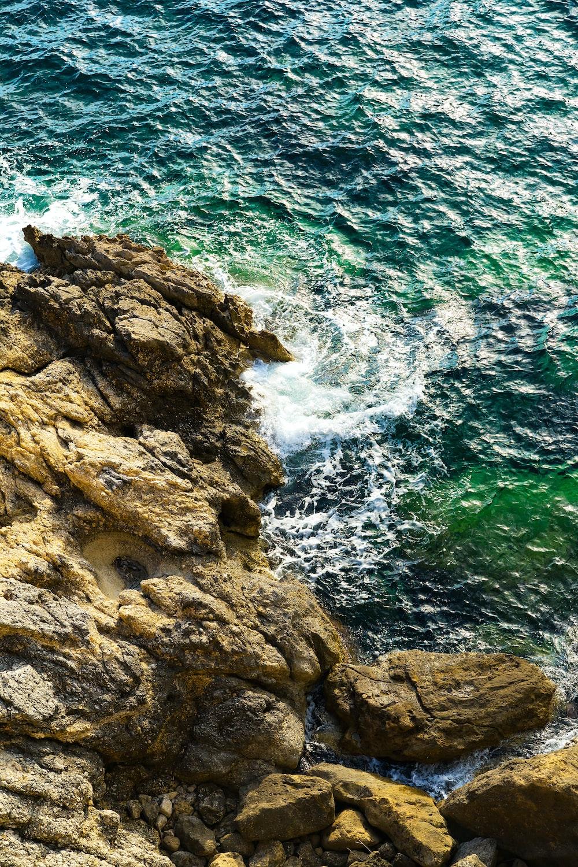 island ocean waves