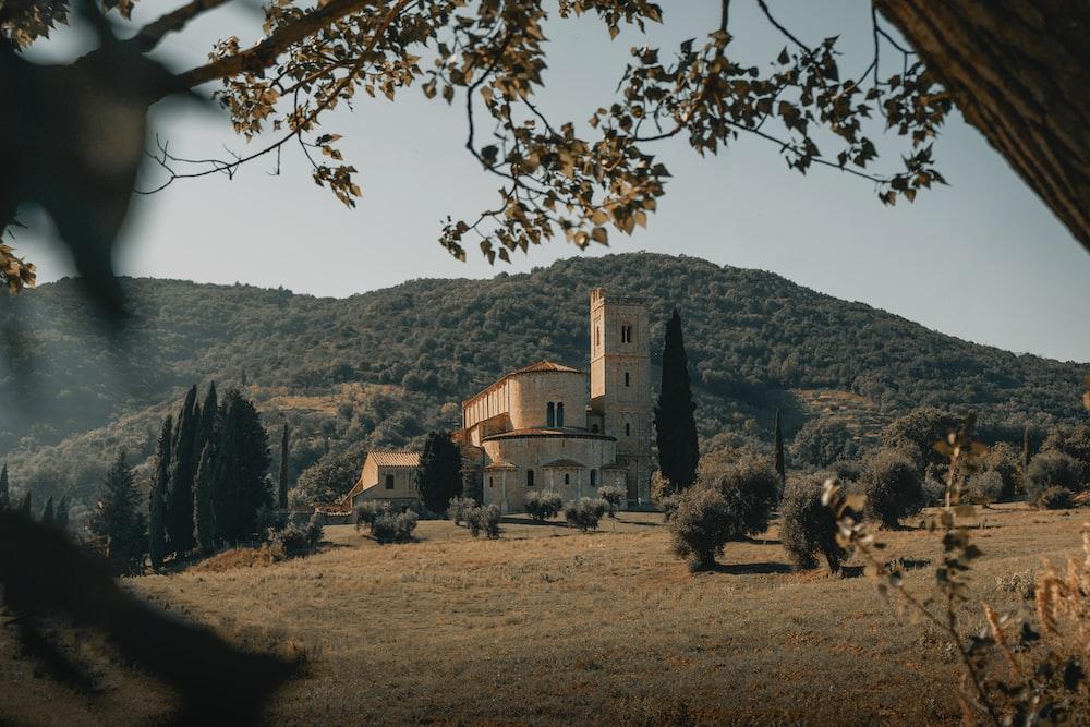 Abbazia di Sant'Antimo Nuovi orari messe e canti gregoriani