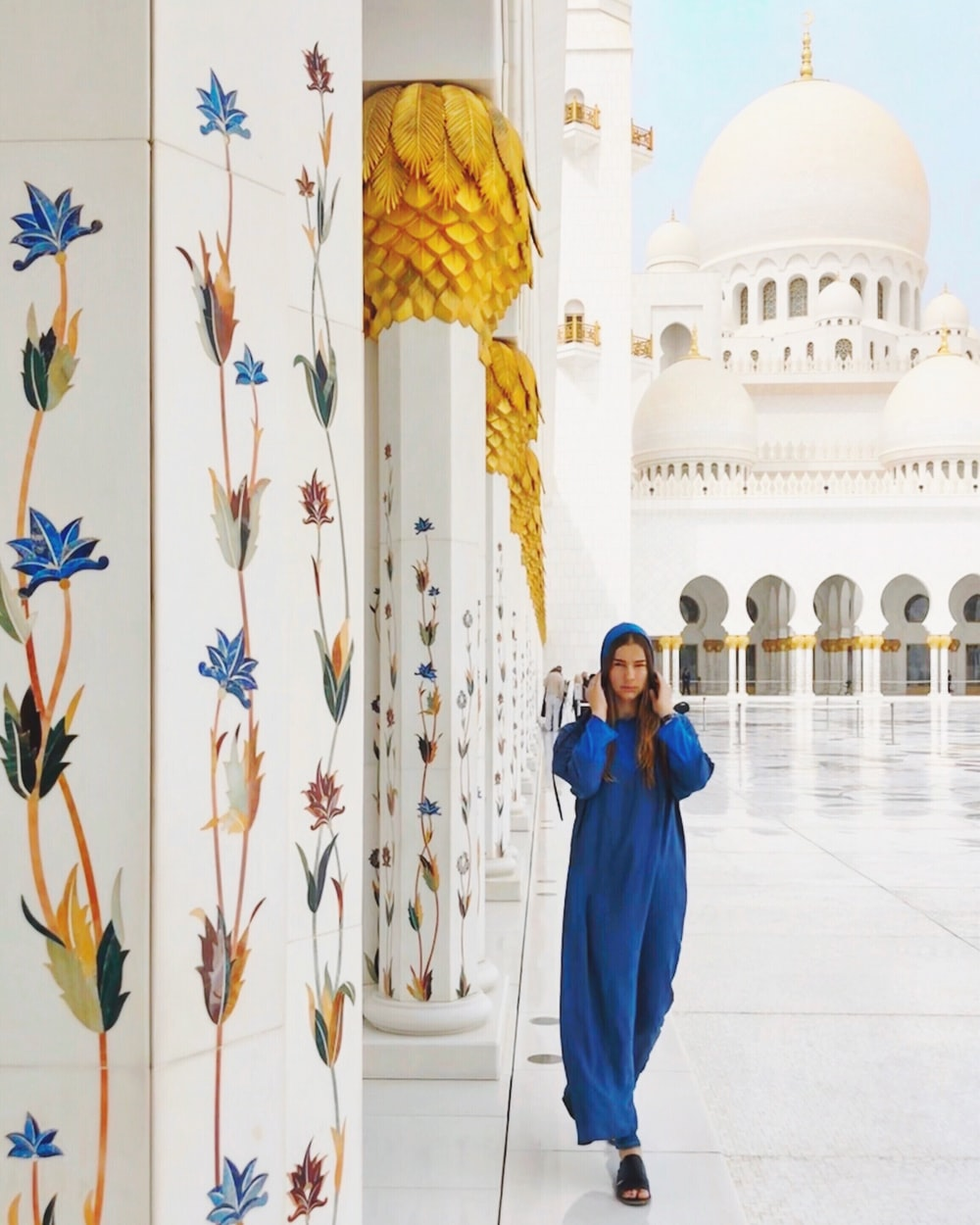 women's blue long-sleeved dress