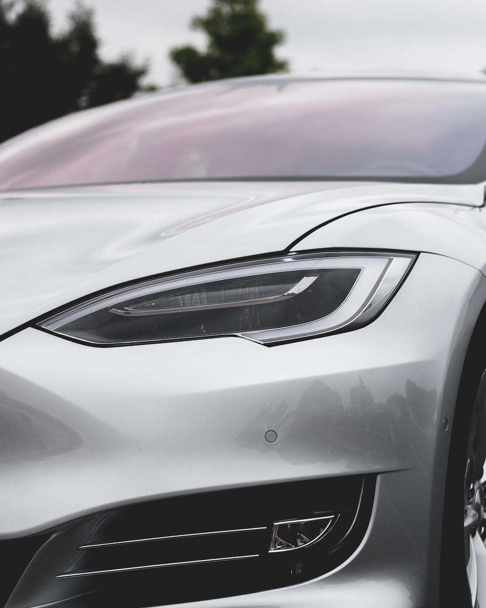 silver vehicle headlight