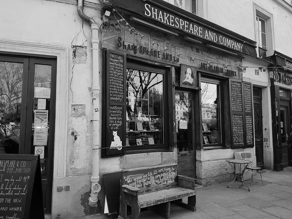 Shakespeare and Company building during daytime